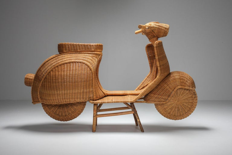 Bamboo Wicker Vespa Scooter from the 1970s In Excellent Condition In Antwerp, BE