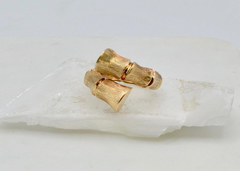 Bamboo Wrap 14 Karat Gold 80's Disco Ring In Excellent Condition For Sale In Berkeley, CA