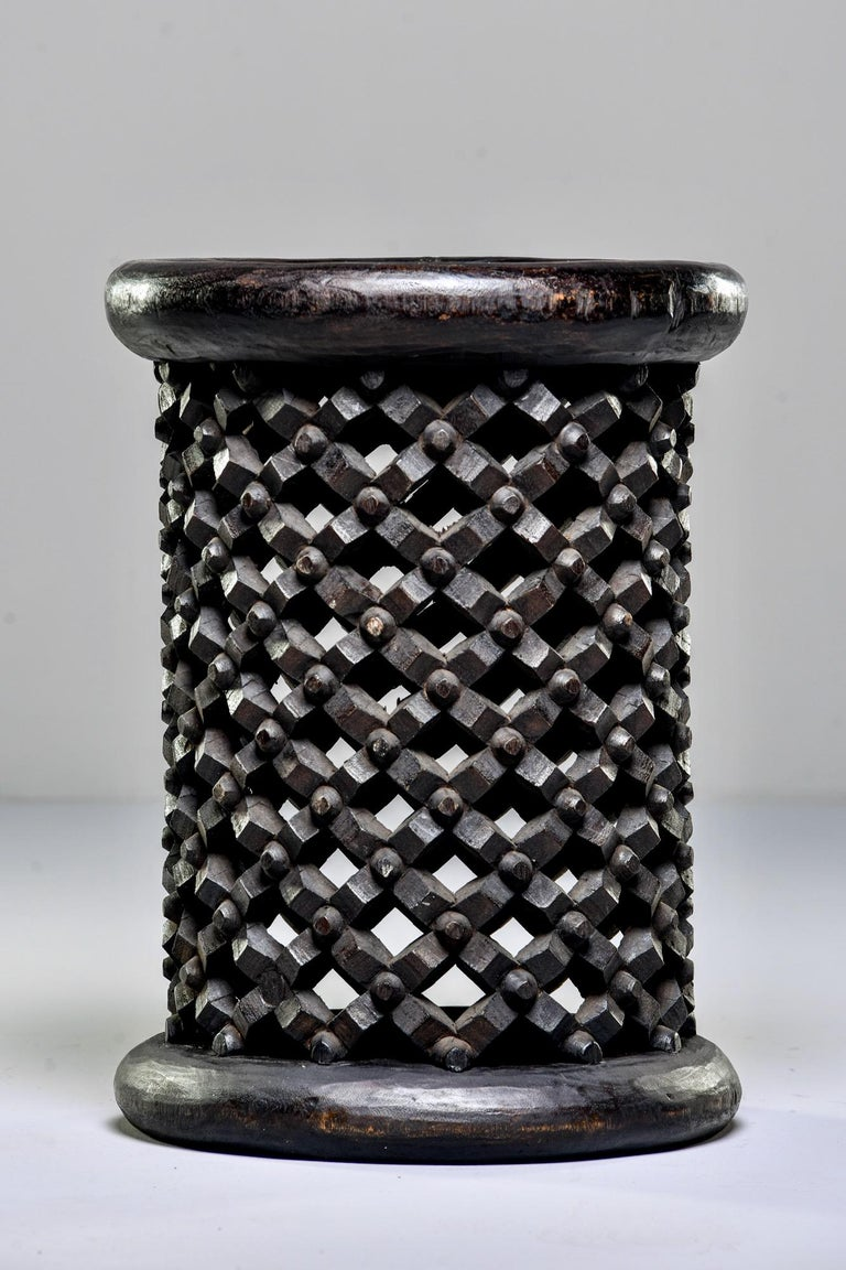 Bamileke Cameroon Pedestal Style Carved Stool or Side Table In Good Condition For Sale In Troy, MI