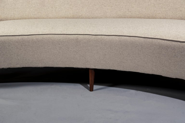 Banana Sofa, Denmark 1950s, Reupholstered in Casamance Wool In Good Condition For Sale In Torino, IT