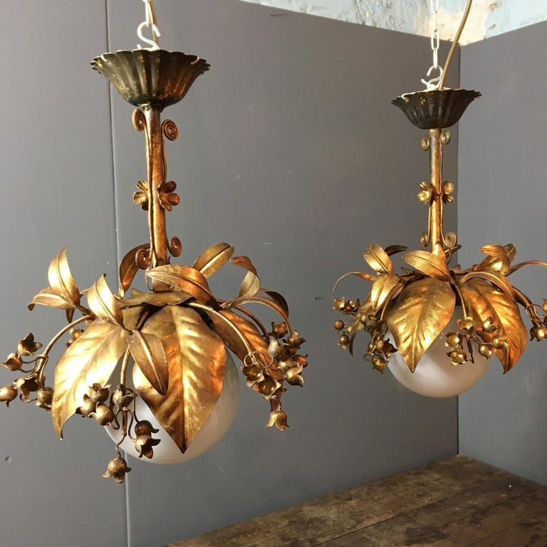 Banci Firenze, 1950s Gilt Globe Pendant Lights In Good Condition For Sale In Hastings, GB