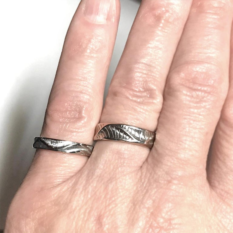 Band Ring for Men's in 18 Karat Yellow Gold In New Condition For Sale In New York, NY
