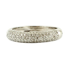 Band Ring in 18 Karat White Gold and Diamonds