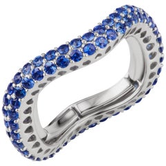 Band Ring with Blue Sapphire in 18K White Gold