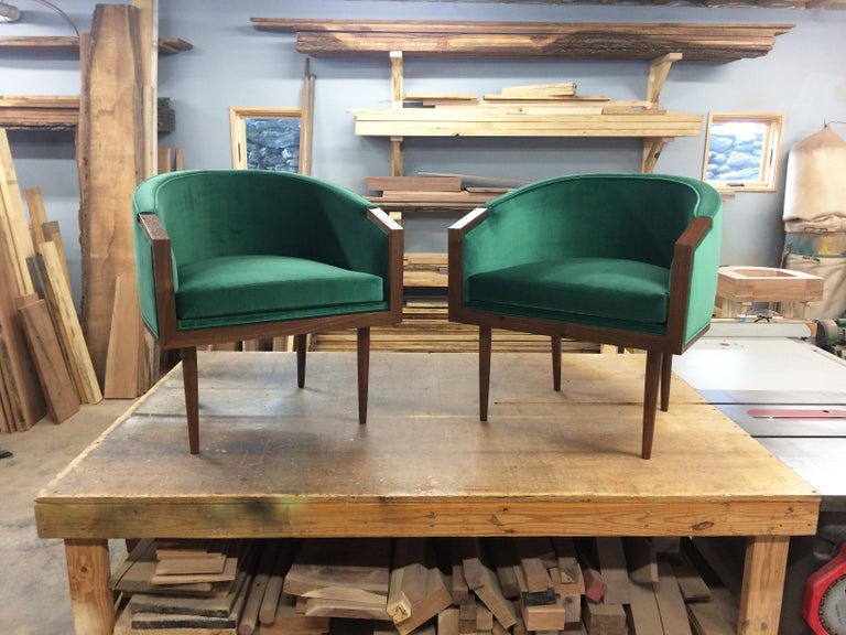 Banded Barrel Back Chair in Walnut with Hand-Turned, Tapered Legs For Sale 5