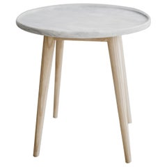 Bandeja Ashwood and Marble Side Table