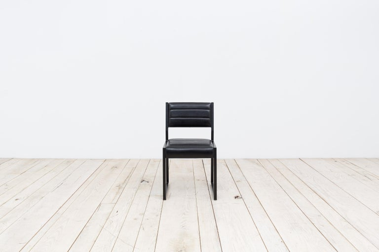 The Bandholz dining chair is a variation on our 1x1 dining chair. The low back and boxed leg has a distinctly contemporary look.