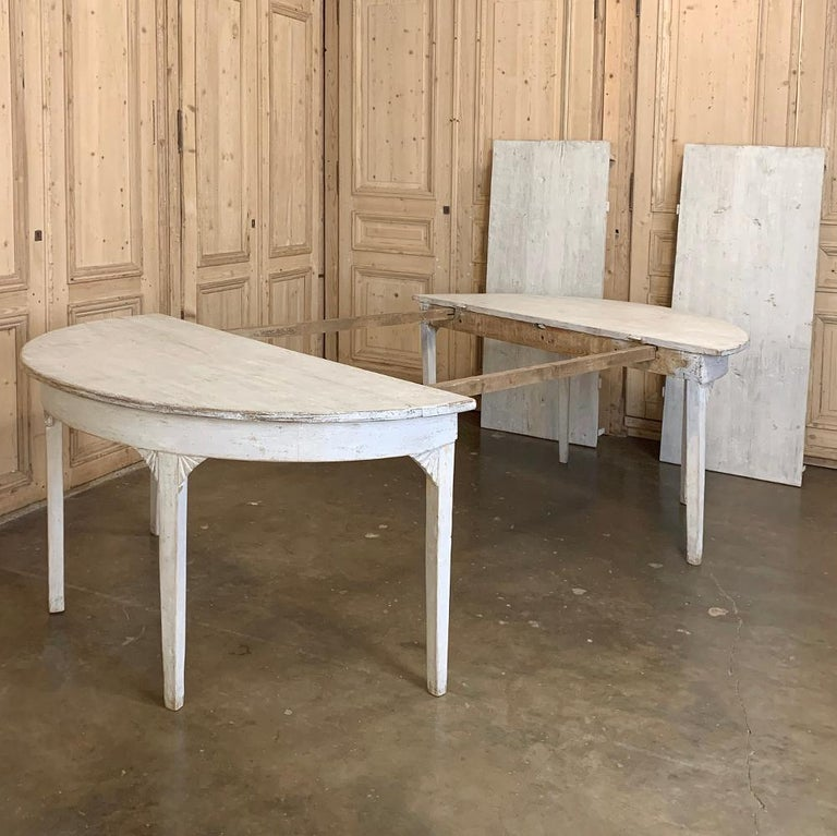 Banquet Table, Painted, Early 19th Century Swedish Gustavian Period For Sale 6