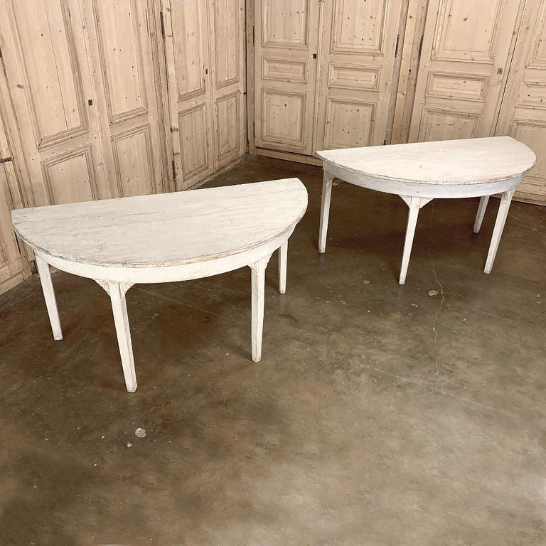 Hand-Crafted Banquet Table, Painted, Early 19th Century Swedish Gustavian Period For Sale