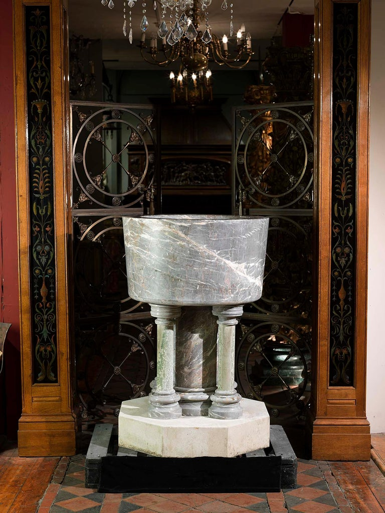 Baptismal Font in Ashburton Marble For Sale 1