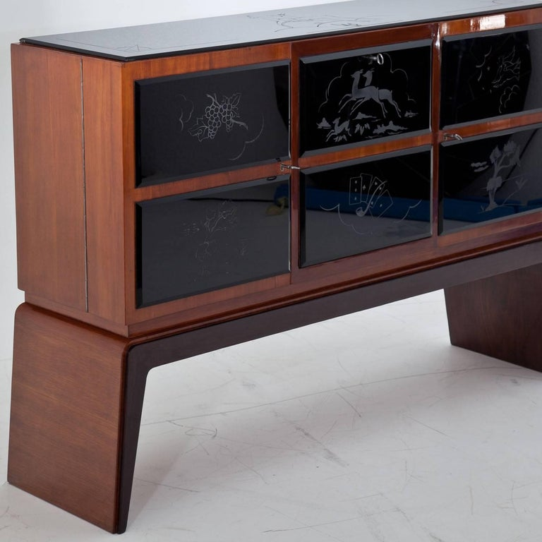 Bar Cabinet in the Style of Osvaldo Borsani, Italy, 1940s For Sale 9