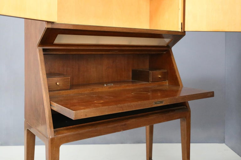 Bar Cabinet Midcentury Italian Manufacture, 1950s For Sale 2
