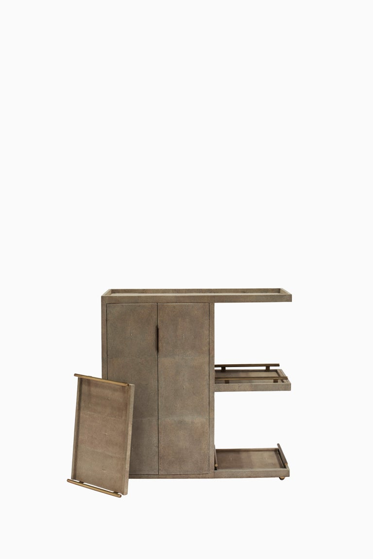 Bar Trolley in Cream Shagreen with 3 Removable Trays by Kifu, Paris In New Condition For Sale In New York, NY