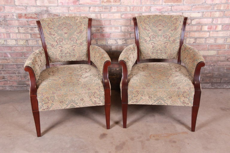 Barbara Barry for Baker Furniture Modern Upholstered Lounge Chairs, Pair In Good Condition For Sale In South Bend, IN