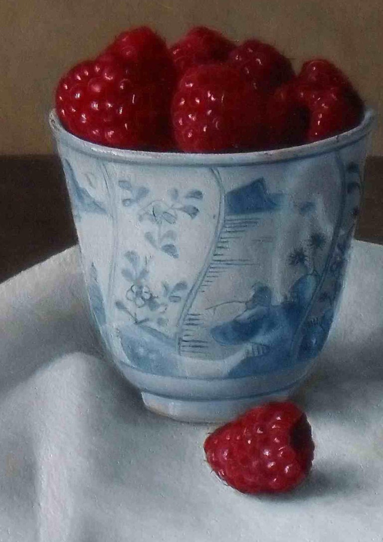 Photo-realist still-life painting 'Raspberries in a Bowl' by Barbara Vanhove For Sale 2