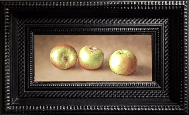 Realist Contemporary Still-Life Painting 'Trio of Apples' by Barbara Vanhove For Sale 1