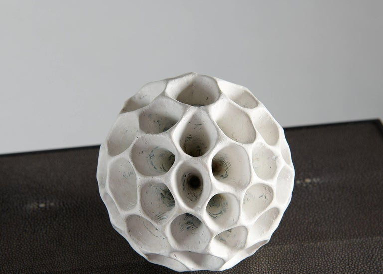 Barbro Åberg 'Speaker,' Contemporary Stoneware Sculpture, Denmark, 2019 In Excellent Condition For Sale In New York, NY