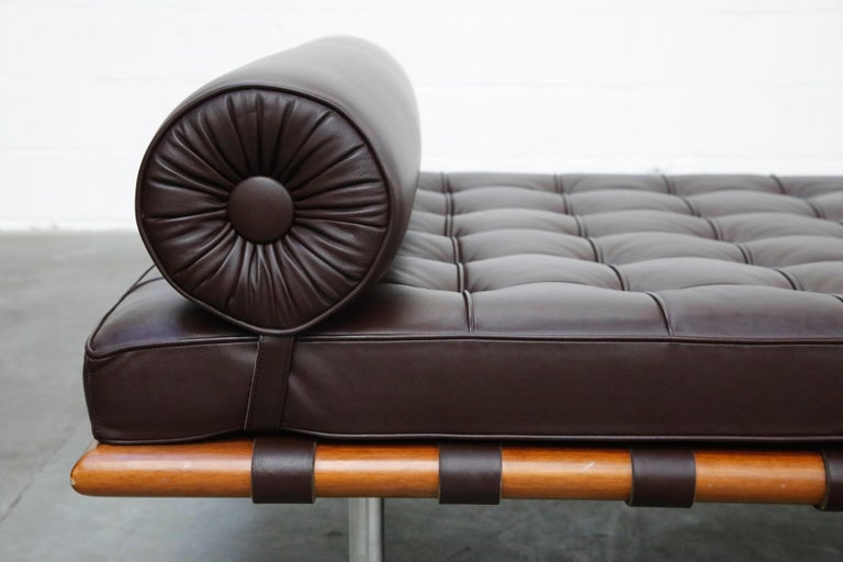 Barcelona Daybed by Mies Van Der Rohe for Knoll in Dark Brown Leather, Signed For Sale 3