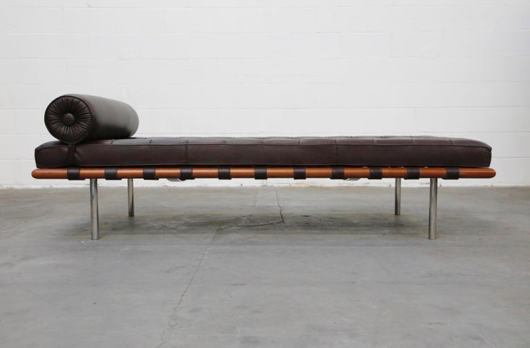 American Barcelona Daybed by Mies Van Der Rohe for Knoll in Dark Brown Leather, Signed For Sale