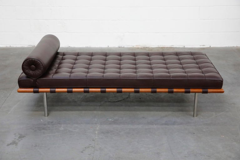 Barcelona Daybed by Mies Van Der Rohe for Knoll in Dark Brown Leather, Signed In Excellent Condition For Sale In Los Angeles, CA