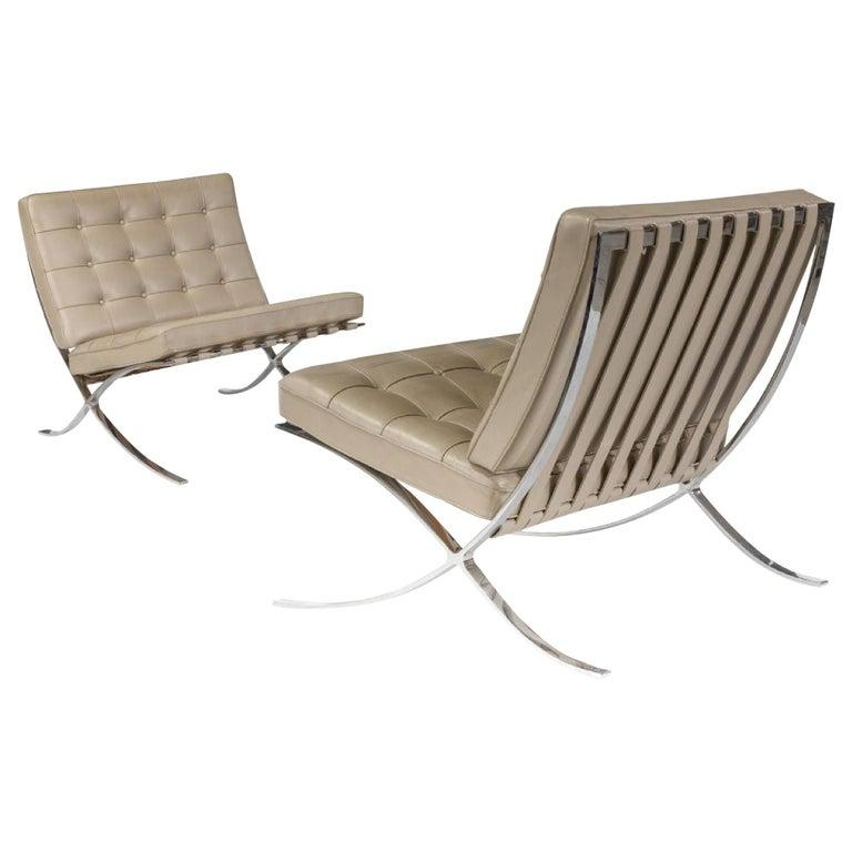 Barcelona Lounge Chair, Knoll, Mies Van Der Rohe, Parchment Leather, Stainless For Sale
