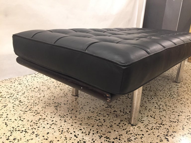 Barcelona Tufted Leather Bench For Sale 1
