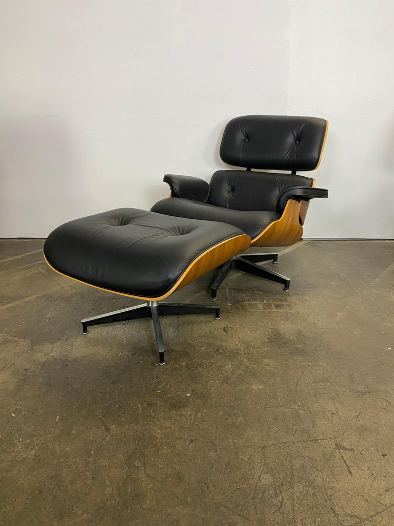 Contemporary Stunning Eames Lounge Chair and Ottoman