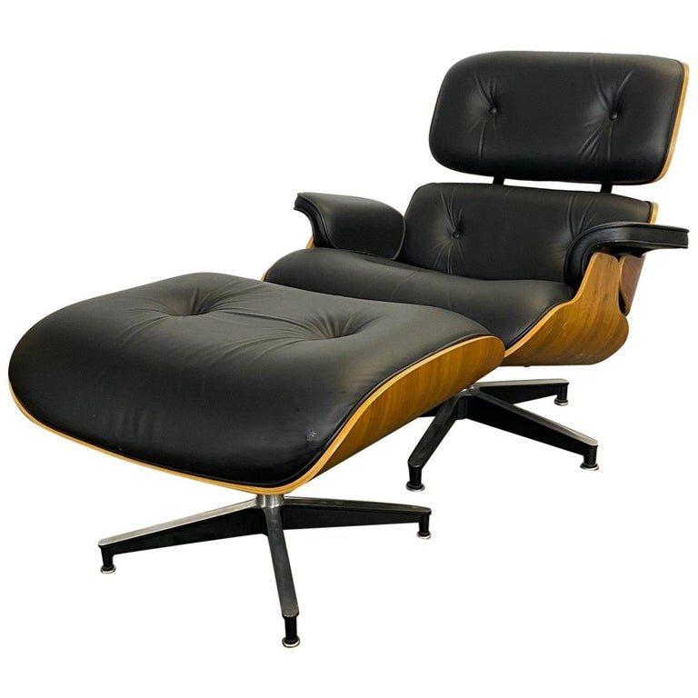 Stunning Eames Lounge Chair and Ottoman