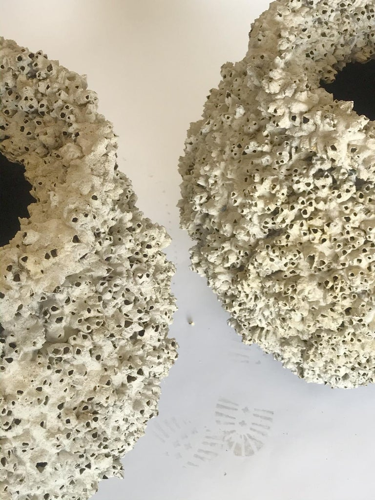 Barnacle Encrusted Ceramic Urns In Good Condition For Sale In Los Angeles, CA