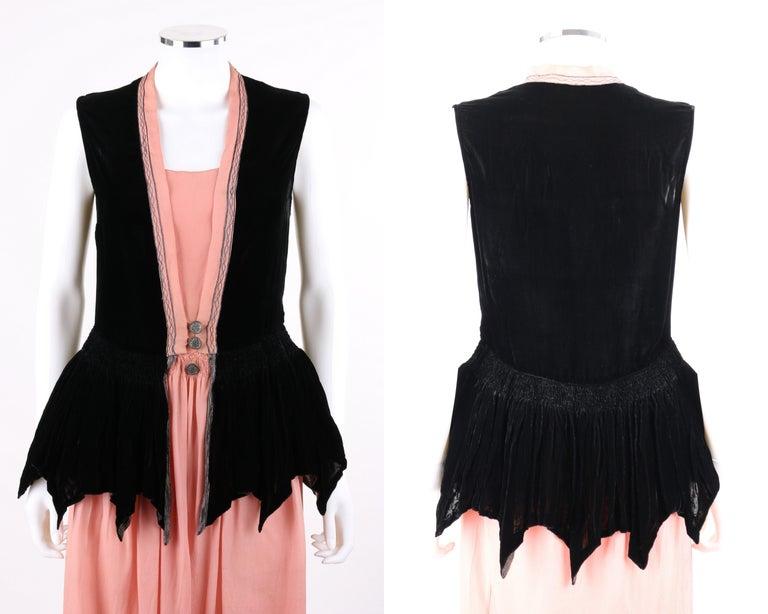 BARNETT c.1910's Rose Pink & Black Silk Velvet Sleeveless Peplum Evening Dress  For Sale 2
