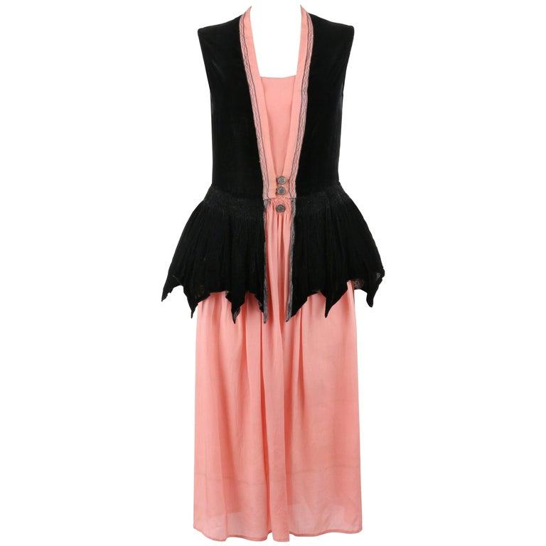 BARNETT c.1910's Rose Pink & Black Silk Velvet Sleeveless Peplum Evening Dress  For Sale