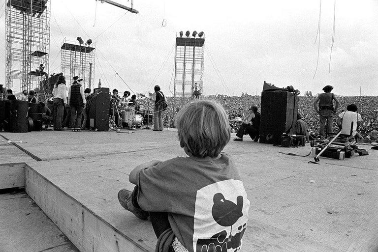 Woodstock 1969, Child Backstage During Santana