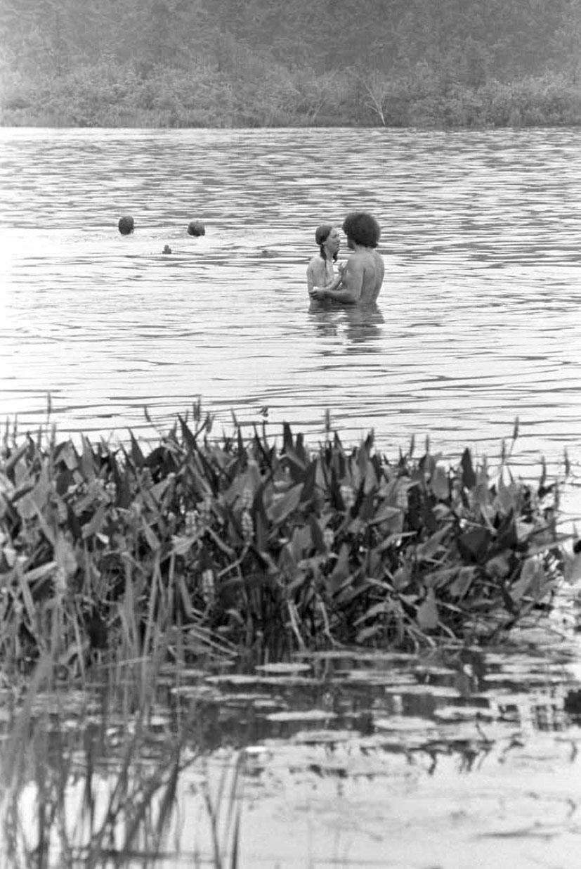 Woodstock 1969, Couple in the Lake