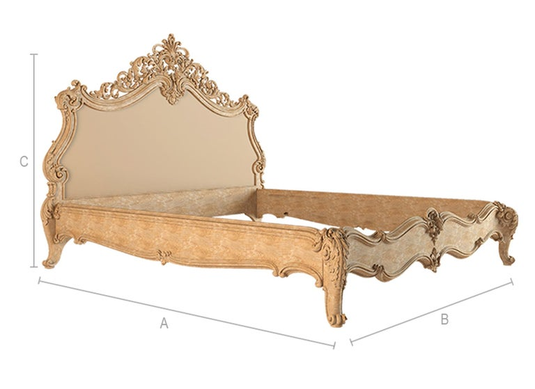Baroque Bed from Oak or Beech, Wood Bed Frame In New Condition For Sale In St Petersburg, St Petersburg