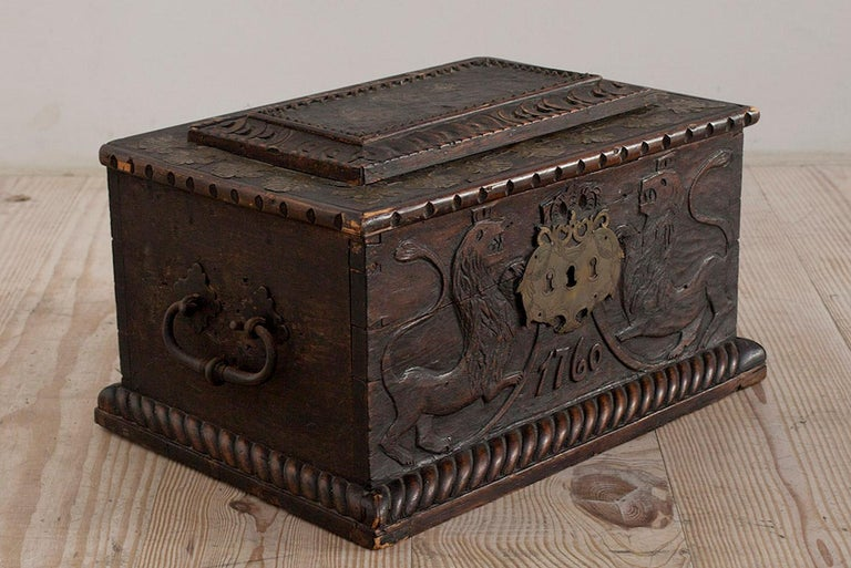Baroque Box with Interior Paint on Stand, Origin Norway, Dated 1760 For Sale 4