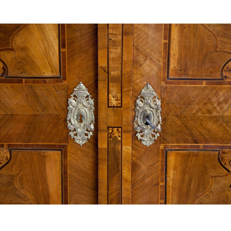 Baroque Cabinet, 18th Century For Sale 2