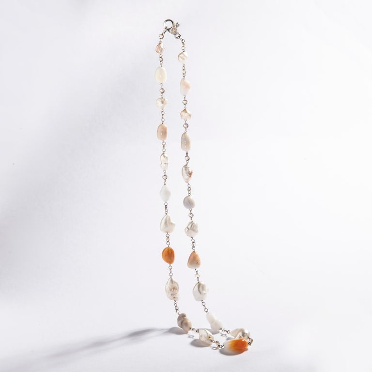 Baroque Melo and White Pearl and Rose Cut Diamond White Gold 18 Karat Necklace In New Condition For Sale In Geneva, CH