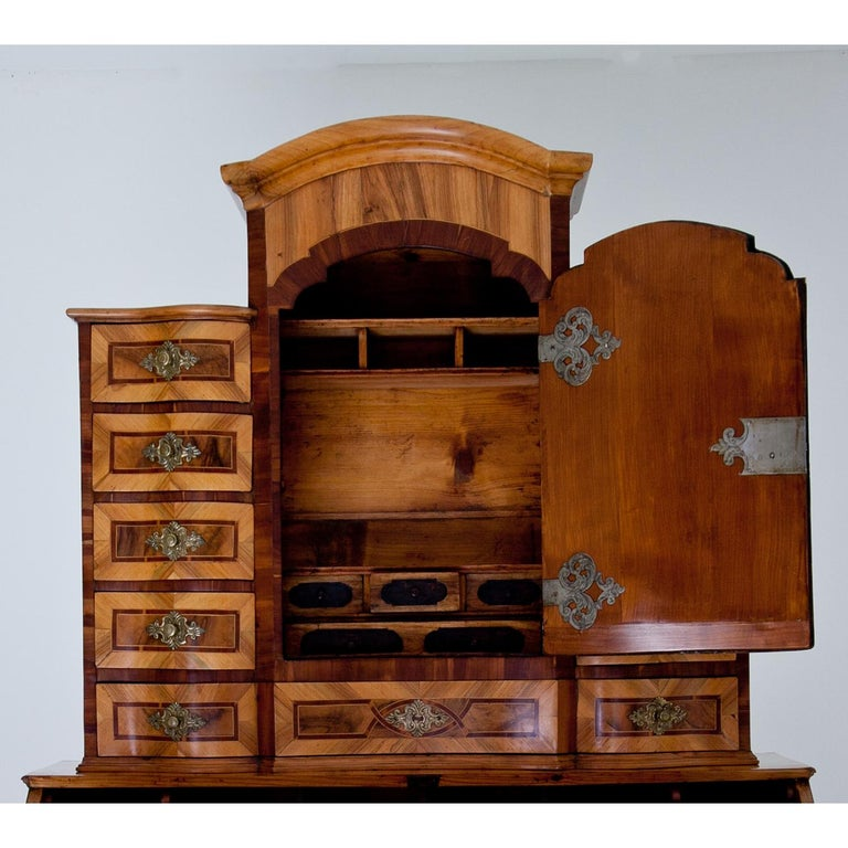 Baroque Secretaire, Central Germany 18th Century  In Excellent Condition For Sale In Greding, DE