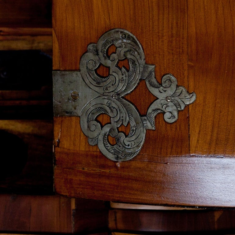 Walnut Baroque Secretaire, Central Germany 18th Century  For Sale
