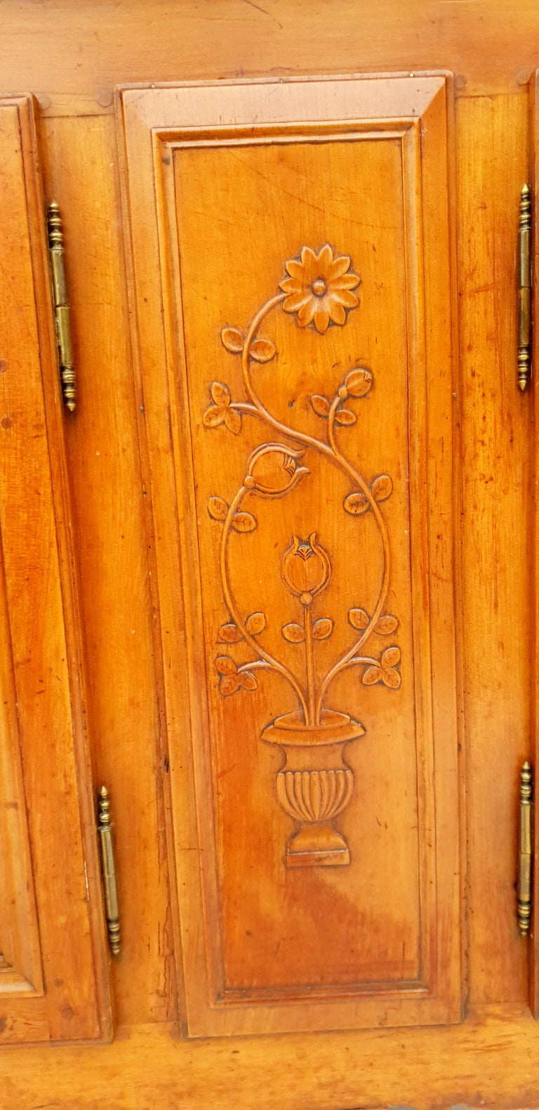 Baroque Sideboard, Provence, France, 1780s In Good Condition For Sale In Kiel, Schleswig-Holstein