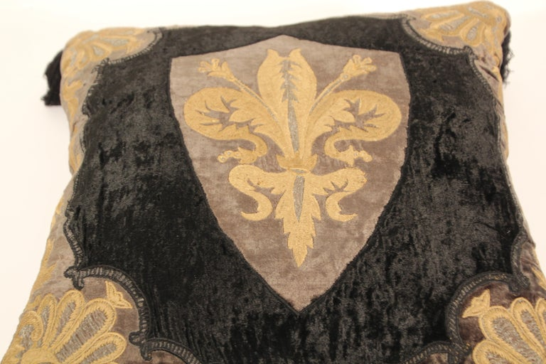Baroque Silk Velvet Applique Throw Decorative Pillow with Tassels In Good Condition For Sale In North Hollywood, CA