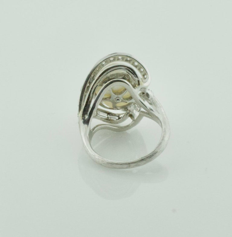 Baroque South Sea Pearl and Diamond Ring in White Gold, circa 1960s In Excellent Condition For Sale In Wailea, HI
