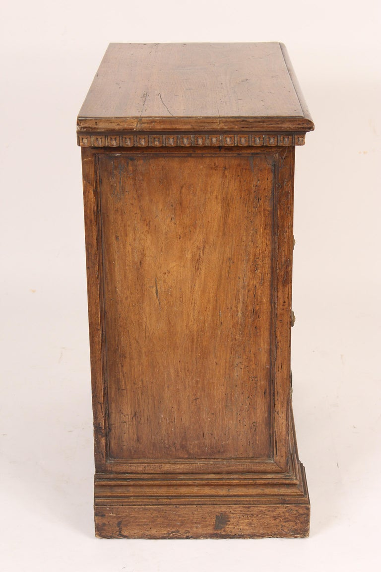 Baroque Style Chest of Drawers In Good Condition For Sale In Laguna Beach, CA