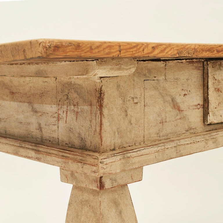 Baroque Table, Sweden, Late 18th Century In Good Condition For Sale In Nordhavn, DK