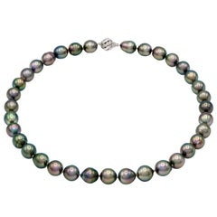 Baroque Tahitian Pearl Necklace with 14 Karat White Gold Clasp