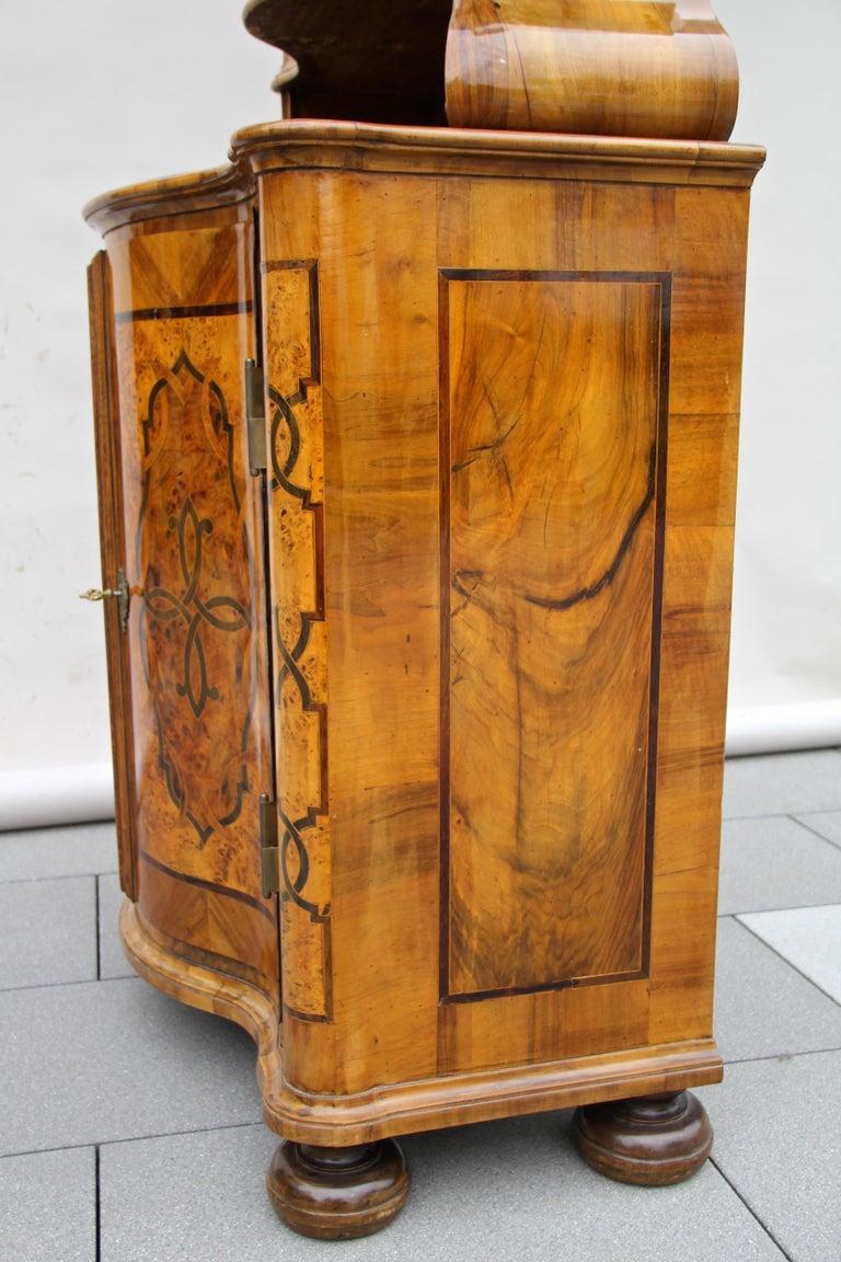 Baroque Vitrine Cabinet, Austria, circa 1760 For Sale 8