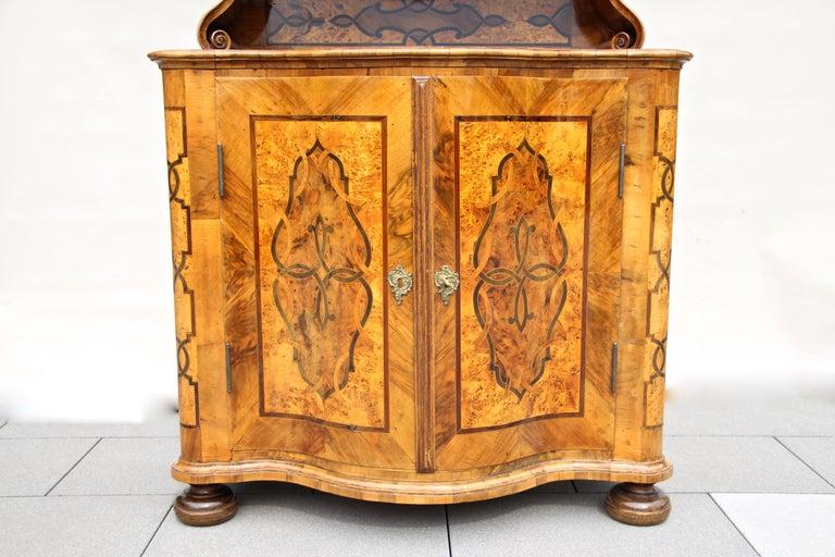 Baroque Vitrine Cabinet, Austria, circa 1760 For Sale 2