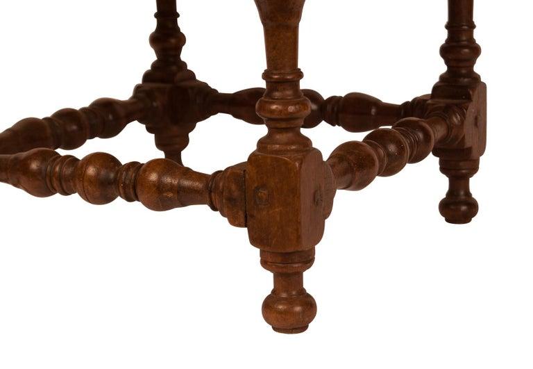 Baroque Walnut Stool, 17th Century For Sale 3