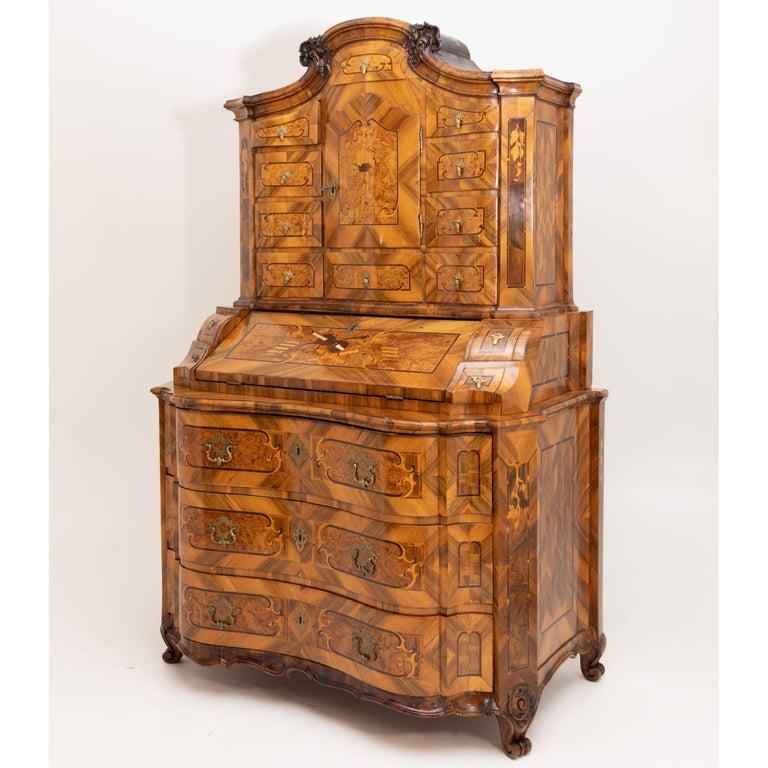 Baroque Walnut Veneered Tabernacle Secretaire, German, 18th Century For Sale 6