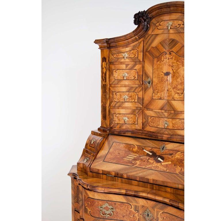 18th Century and Earlier Baroque Walnut Veneered Tabernacle Secretaire, German, 18th Century For Sale